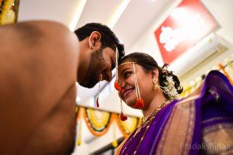 mumbai_candid_wedding_photographer_marathi_brahmin_pune_wedding_photographer_Pradakshinaa-N+A