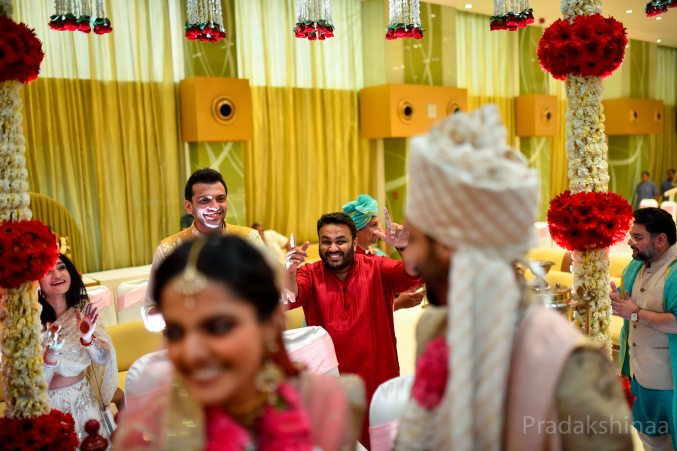 mumbai_candid_wedding_photographer_wedding_photographer_pradakhsinaa_storiesbypradakshinaa_2018_gujratiwedding_photography_asianweddingphotographer_india_2018 -49