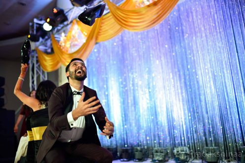 mumbai_candid_wedding_photographer_wedding_photographer_pradakhsinaa_storiesbypradakshinaa_2018_gujratiwedding_sangeet_mehndi_photography_asianweddingphotographer_india_2018 -35