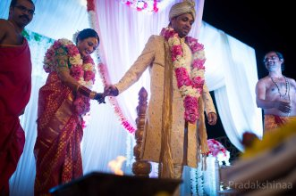 mumbai_candid_wedding_photographer_southindianwedding_mangloreanwedding_2019_photographer_Pradakshinaa-R+P-50