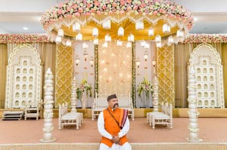 www.pradakshinaa.com_mumbai_candid_wedding_photographer_marathiwedding_gujaratiwedding_2019_photographer_Pradakshinaa-P+A-2