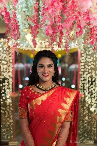 mumbai_candid_wedding_photographer_engagement_bestcandidweddingphotographerinmumbai_marathiwedding_hinduwedding_indianwedding_unison_vashi_fourpointsbysheraton_navimumbai_2020_photographer_Pradakshinaa-S+D-13